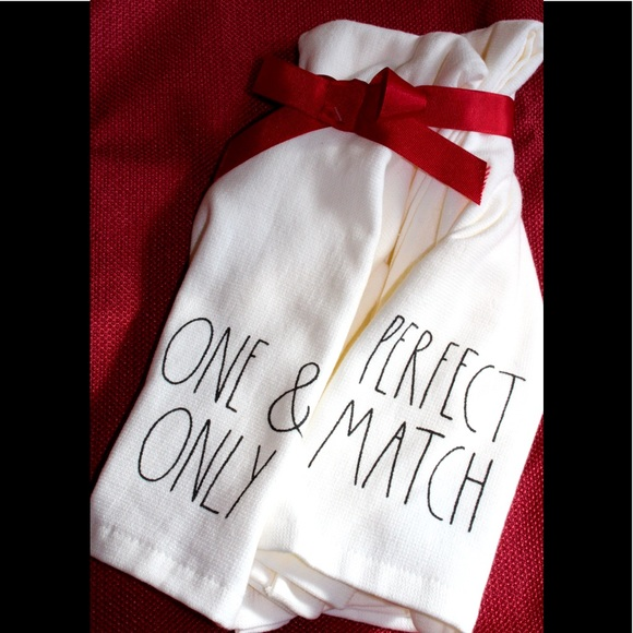 💚3/20$RAE DUNN ONE & ONLY/PERFECT MATCH TOWEL SET